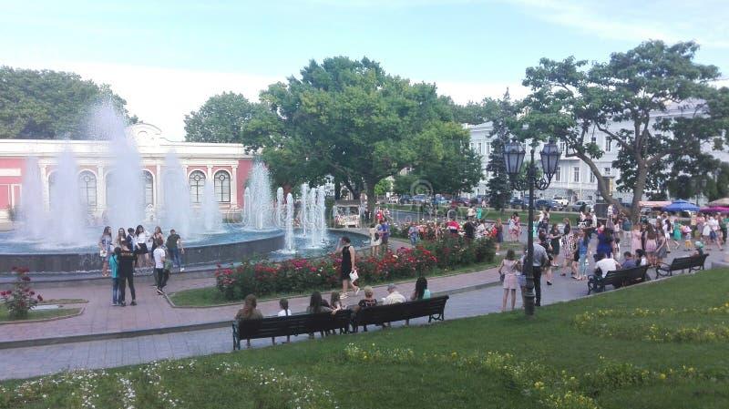 odessa ukraine En blick till någon huvudsaklig fyrkant, parkerar, stadsträdgården royaltyfri fotografi