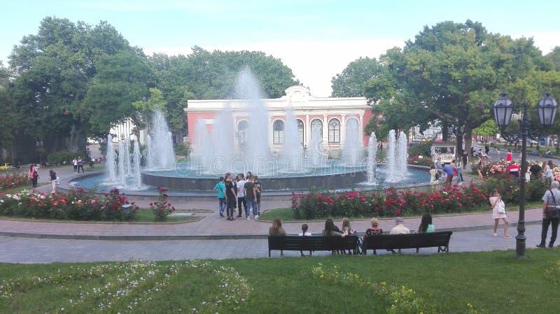 odessa ukraine En blick till någon huvudsaklig fyrkant, parkerar, stadsträdgården fotografering för bildbyråer