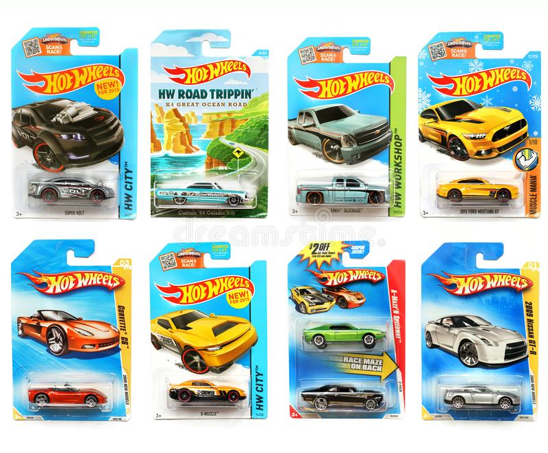 Odessa, Ukraine - novembre 2017 : Hot Wheels Jouets d'enfants machines Jouets sur un fond blanc photos stock