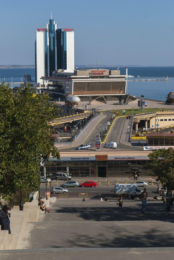 ODESSA/UKRAINE am 10. Oktober 2007 - das Odessa-Hotel und die Kreuzfahrt p lizenzfreie stockfotos