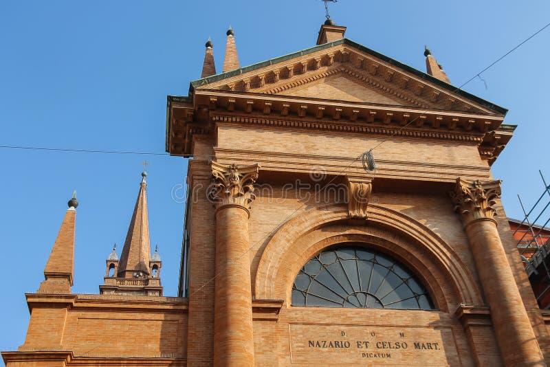 Odgórna część stary kościół święty Nazarius i Celsus w Vign obraz stock