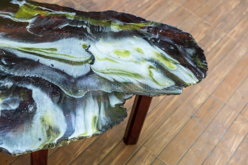 Odgórnego widoku stołu emalii epoxy żywicy drewniany abstrakcjonistyczny tło fotografia royalty free