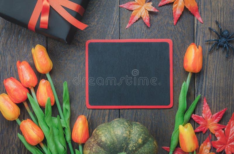 Odgórnego widoku Szczęśliwy Halloweenowy Wakacyjny tło z dekoracją zdjęcia royalty free