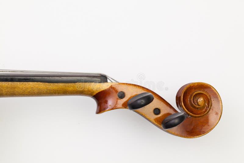 Odgórnego widoku zakończenie up strzelał stary skrzypce na białym stole zdjęcia royalty free