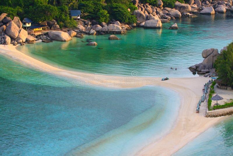 Odgórny widok biała piasek plaża Nang Juan wyspy piękny desti obrazy royalty free