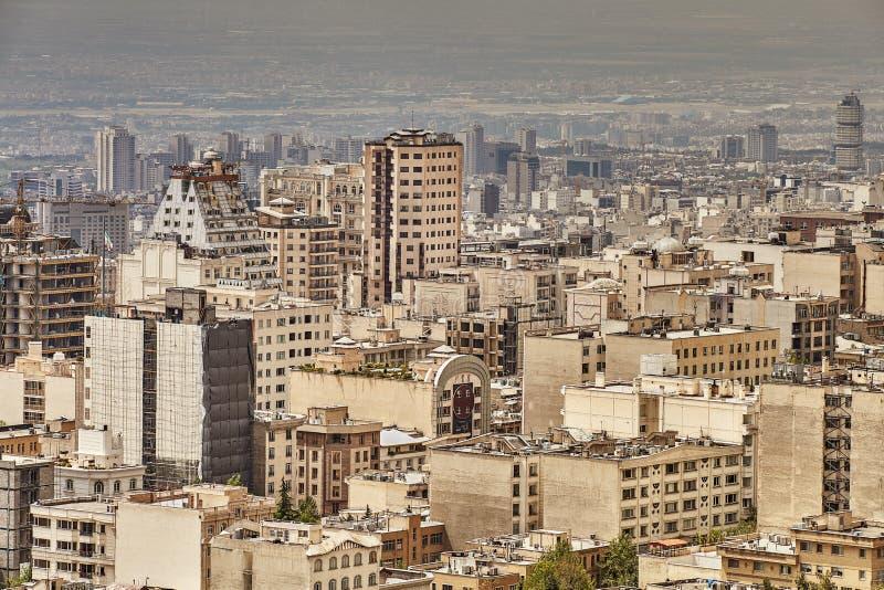Odgórny widok kamieni domy w obszarze miejskim, Teheran, Iran fotografia stock