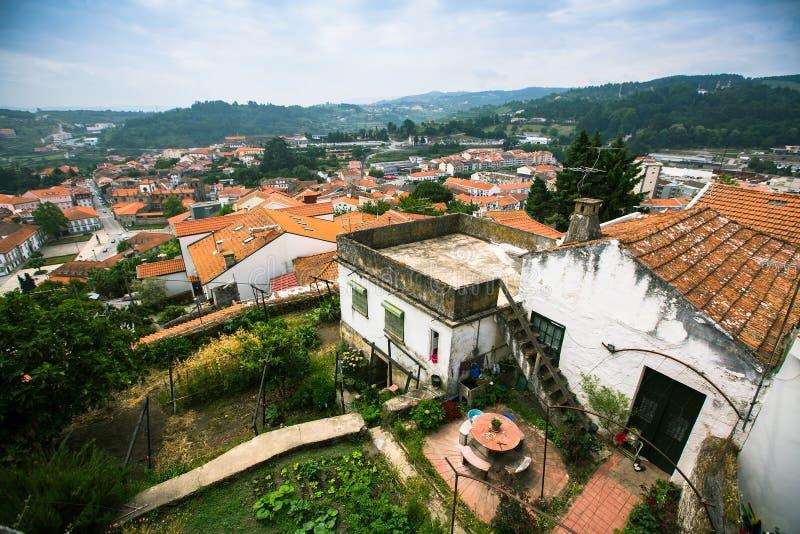 Odgórny widok Lamego miasto, północny Portugalia Podróż zdjęcia stock