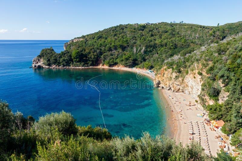 Odgórny widok Mogren plaża, Budva, Montenegro obraz stock