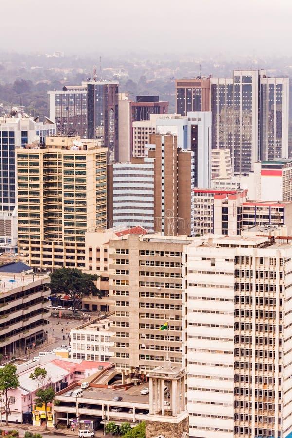 Odgórny widok na środkowej dzielnicie biznesu Nairobia od Kenyatta konferenci międzynarodowa Centre lądowiska fotografia royalty free