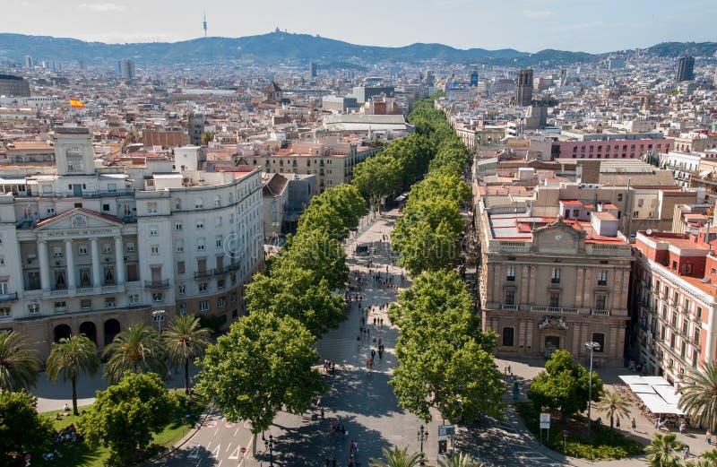 Odgórny widok na Barcelona ulicie - los angeles Rambla obrazy royalty free