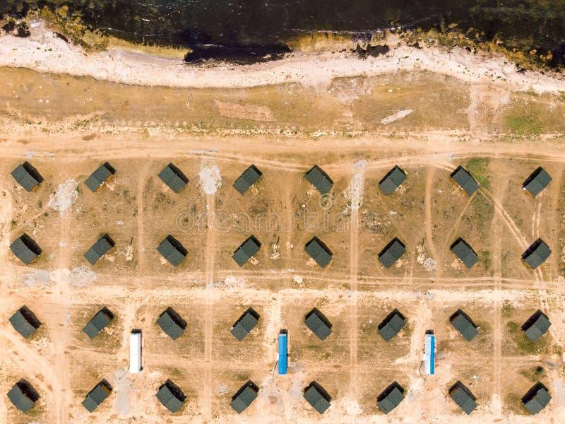 Odgórny widok na symetrycznych domach na wybrzeżu Crimea obrazy stock