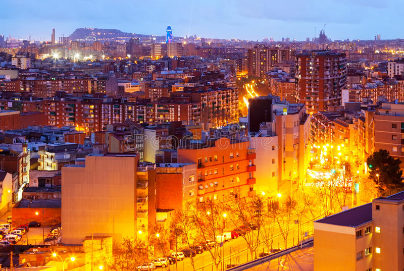 Odgórny widok nocy miasto. Barcelona obrazy stock