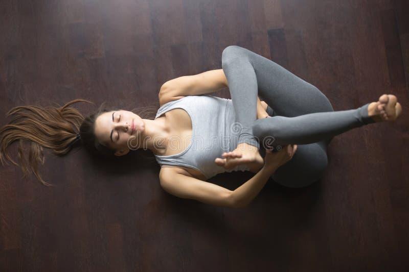Odgórny widok oko Igielna joga poza zdjęcia stock