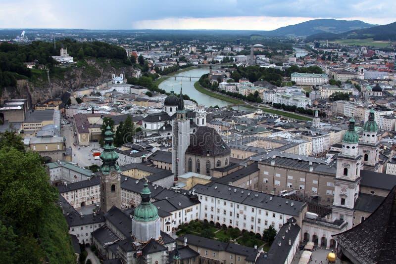 Odgórny widok Salzburg i rzeka zdjęcie royalty free