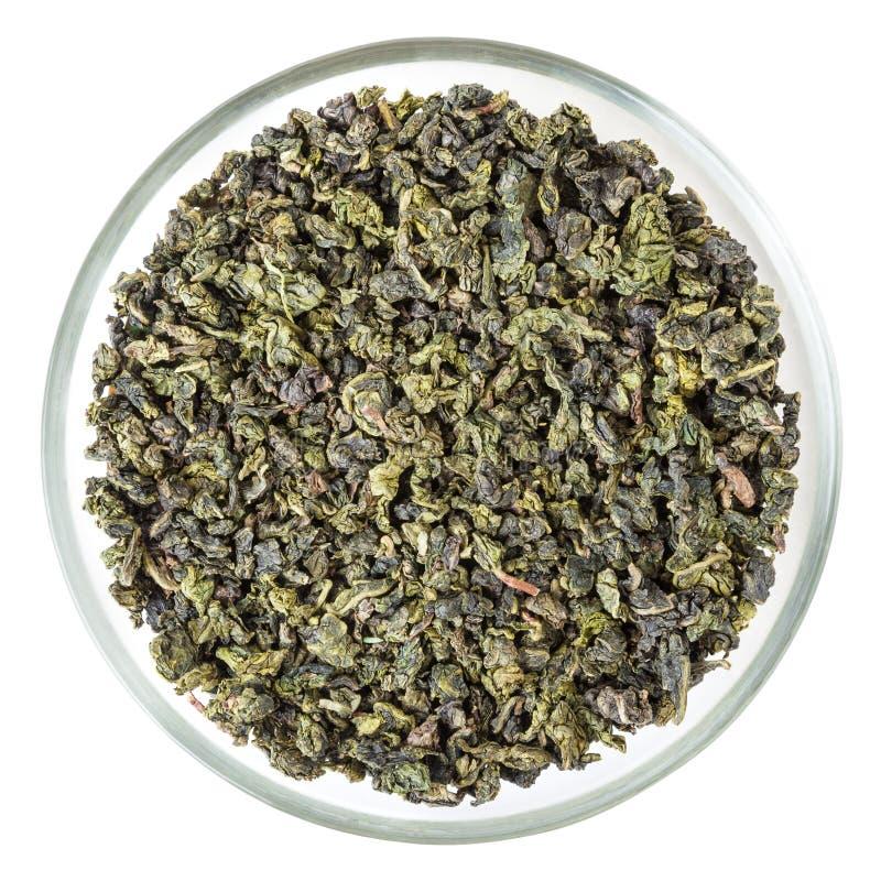 Odgórny widok zielona oolong herbata w szklanym pucharze odizolowywającym na białym tle obrazy royalty free