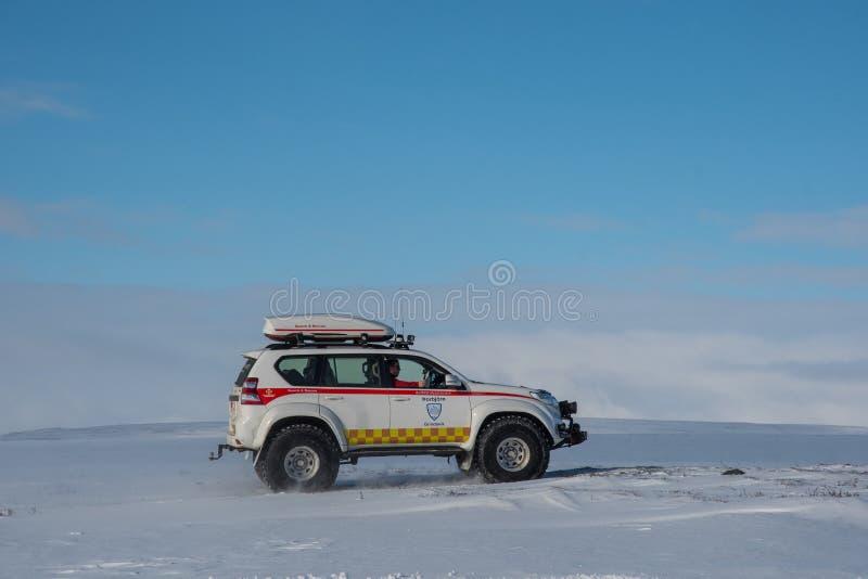 Odified Toyota ziemi krążownik 4x4 od Islandzkiej rewizji i drużyny ratowniczej dzwonił Thorbjorn od miasteczka Grindavik zdjęcie royalty free