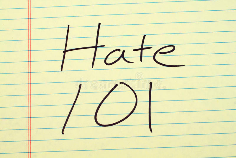 Odio 101 en un cojín legal amarillo fotos de archivo