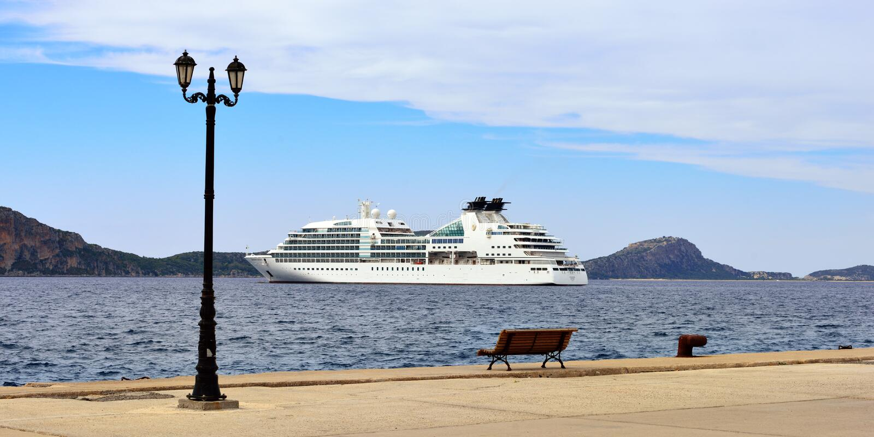 Odisseia luxuosa de Seabourn do navio de cruzeiros imagem de stock royalty free