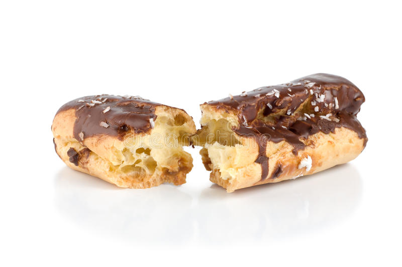 odizolowywający czekoladowy eclair obraz royalty free