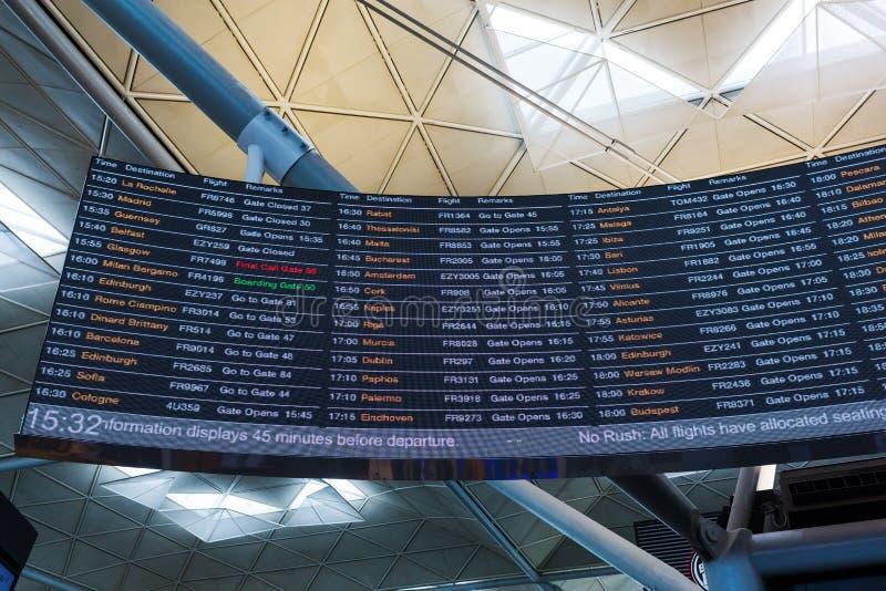 Odjazd deska przy Londyńskim Stansted lotniskiem obrazy stock