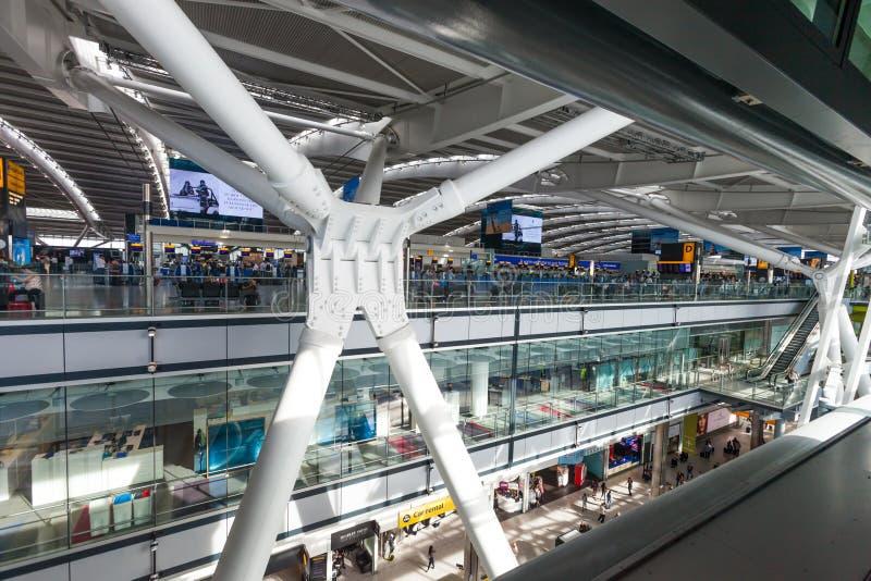 ODJAZDY śmiertelnie przy Heathrow lotniskiem, jeden sześć lotnisk międzynarodowych słuzyć Grea Londyn ZJEDNOCZONE KRÓLESTWO, SIER zdjęcie stock