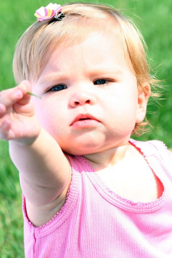 odkrycia dziecka dziewczyna jej podziału sweet zdjęcia royalty free