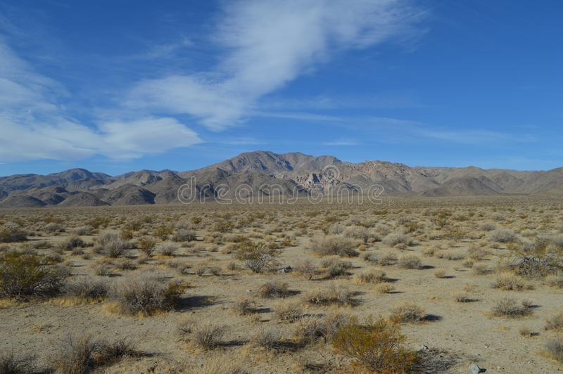 Odległy pasmo górskie Śmiertelny Dolinny Kalifornia obraz royalty free