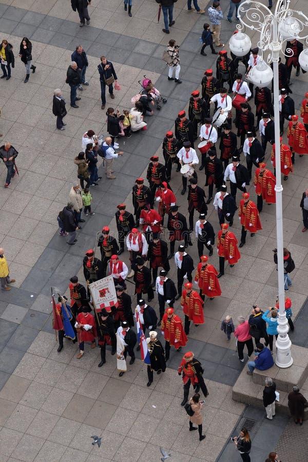 Odmienianie strażowy honorowy Cravat pułk z okazji ` Cravat dnia Światowego `, Zagreb zdjęcia royalty free