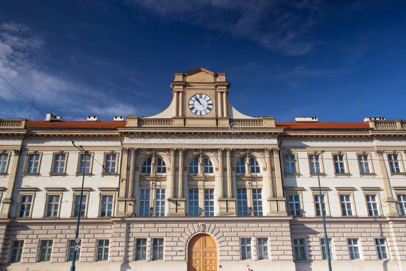 Odnawiący historyczny koszaruje w Praga zdjęcie stock