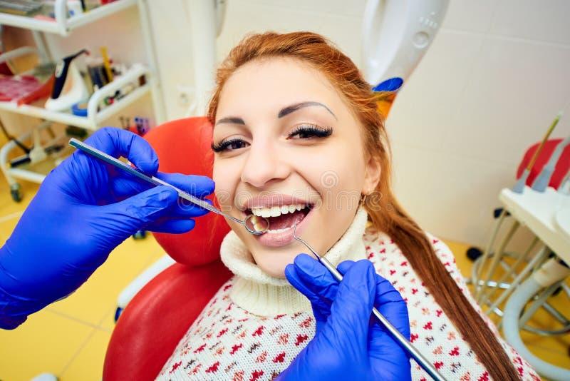 Odontologia, tratamento dental fotografia de stock royalty free