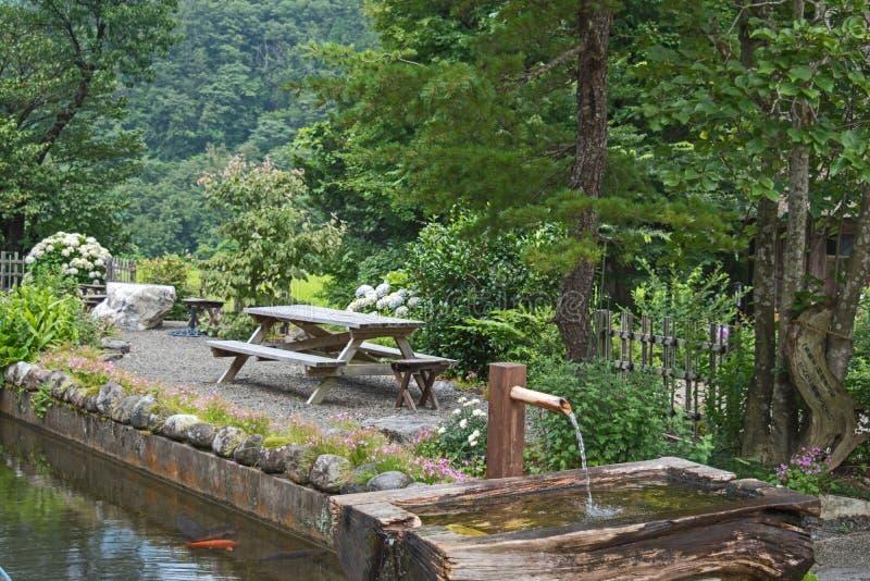 Odoshi di Shishi, giapponese Zen Garden in Shirakawago fotografia stock