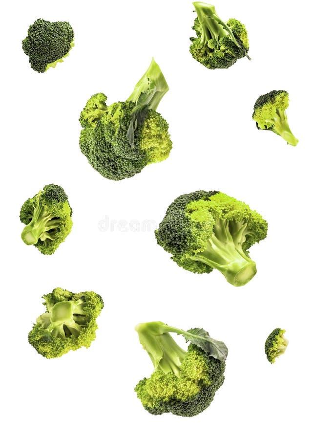 Odosobneni brokuły spada na białym tle z ścinek ścieżką zdjęcie stock