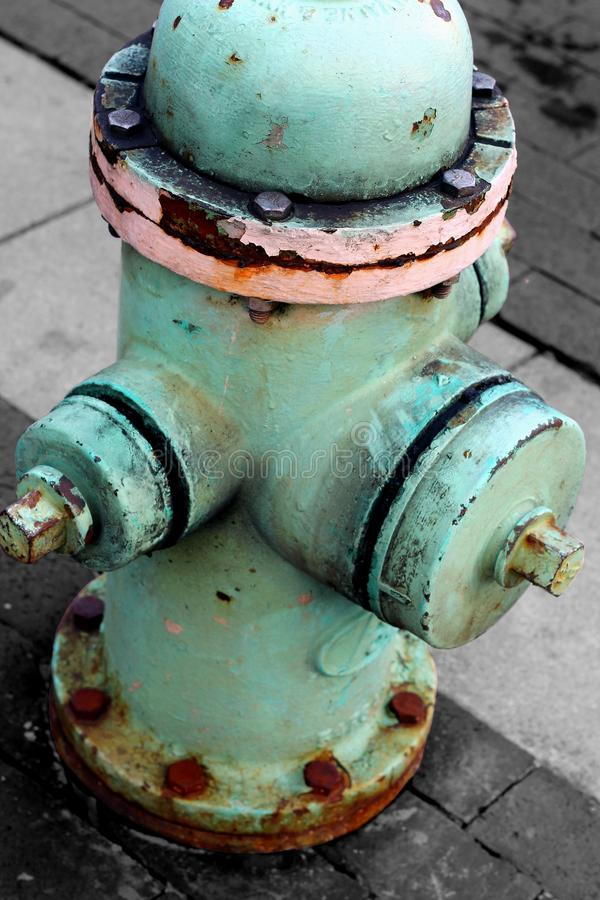 Download Odosobniony Błękitny Pożarniczy Hydrant Zdjęcie Stock - Obraz złożonej z rdza, ogień: 41955214