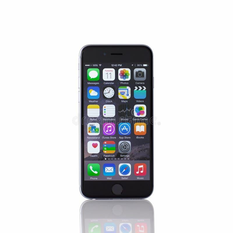 Odosobniony nowy iPhone 6 Astronautycznych szarość obrazy royalty free