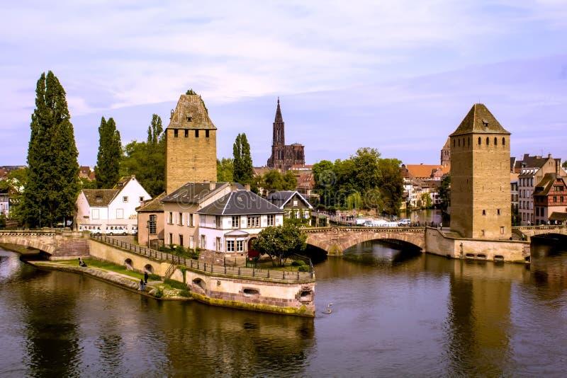 Odosobniony piękny kasztel w Strasbourg, widok na mieście zdjęcie stock