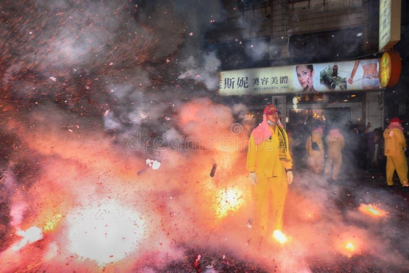 Odparowany faszerujący bunsTaipei Tajwan, Luty, - 19,2019: Ludzie modlą się na dobre szczęście w całym roku wyruszać petar obrazy royalty free