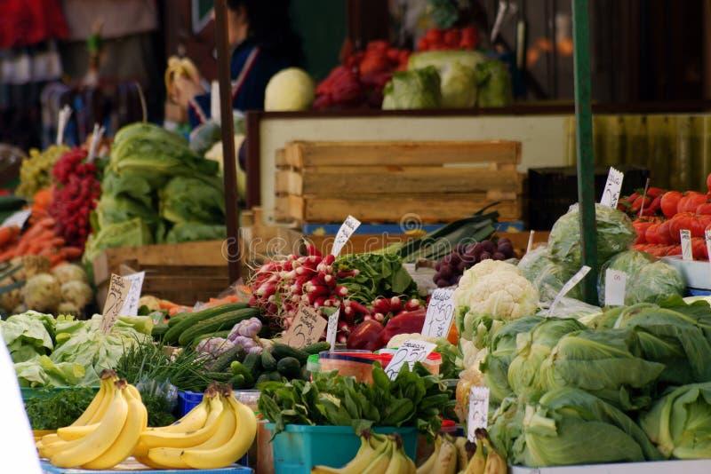 odpierający owocowego rynku stojaka warzywo obraz stock
