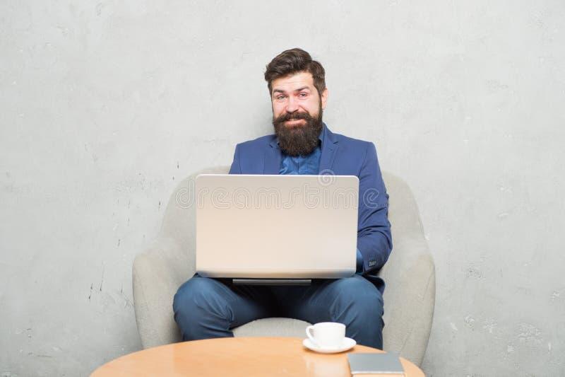 Odpowiada? biznesowego emaila Cyfrowego marketing surfing internetu Zakup online Kierownik projektu Biznesowa korespondencja obrazy stock