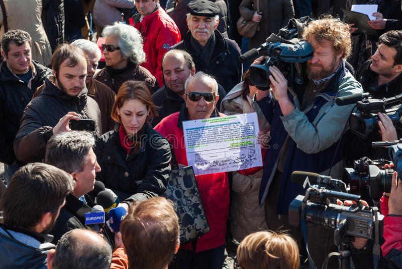 Odprawiający funkcjonariusza państwowego protest obraz royalty free