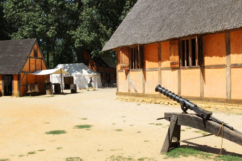 Odtwarzający wnętrze James fort przy Jamestown ugodą fotografia royalty free