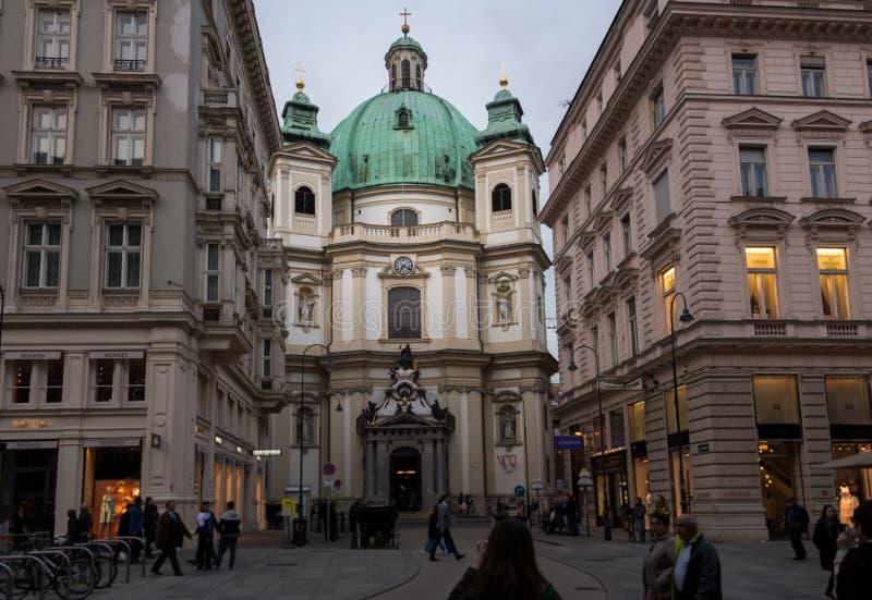 Odwiedzać St Peter kościół w Wiedeń, Austria's kapitał zdjęcia royalty free