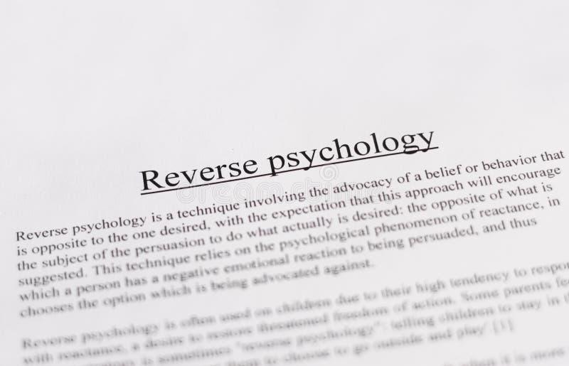 Odwrotna psychologia - edukacja lub biznesu pojęcie obraz stock