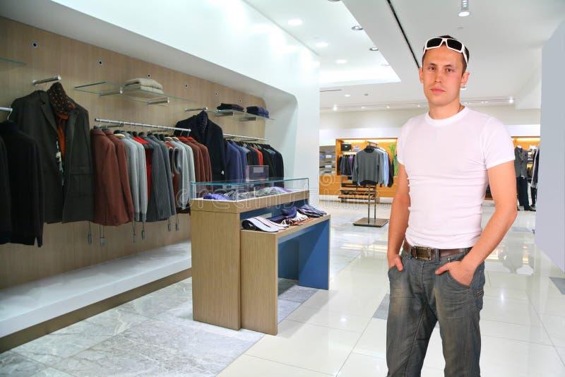 odziewa mężczyzna sklep zdjęcia royalty free