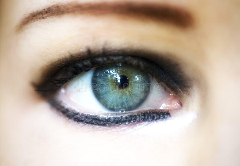 Oeil de femme de plan rapproché photographie stock libre de droits