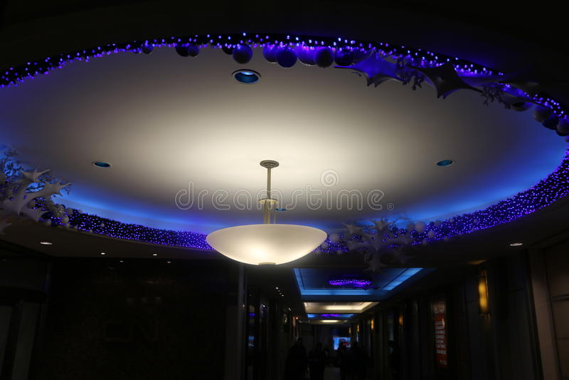 Oeil de Noël, lumières et décorations bleus, Montréal photo stock
