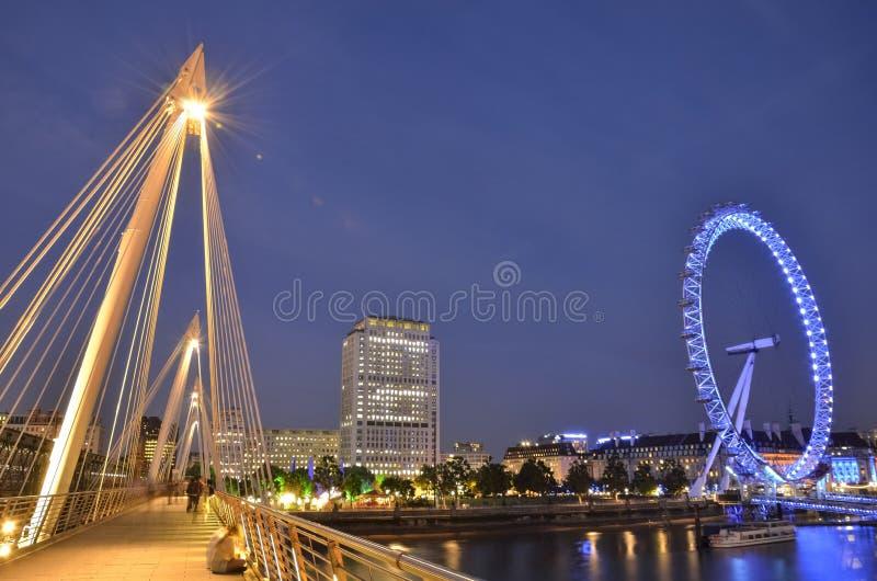 Oeil et pont de Londres image libre de droits