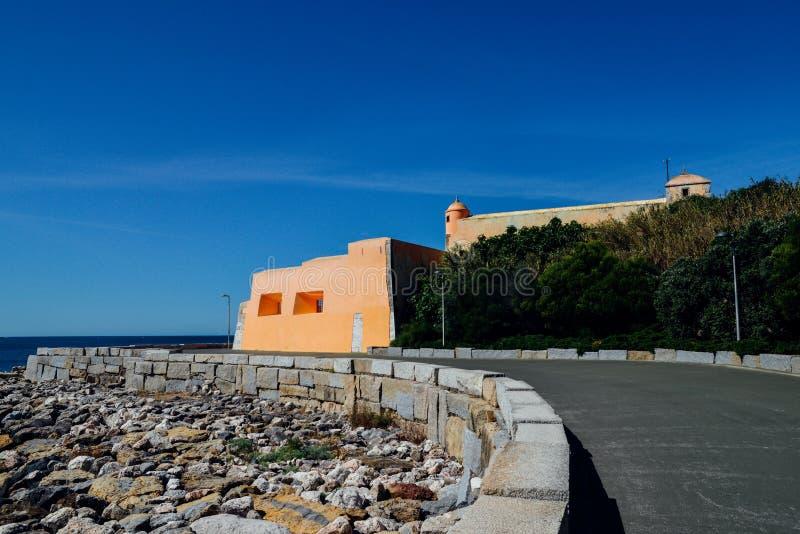 Oeiras Lissabon, Portugal Det historiska fortet av vår dam av den Porto salvan - Forte- de Nossa Senhora de Porto salva royaltyfria bilder