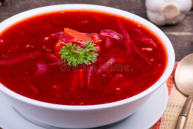 Oekraïense en Russische nationale groentesoep - rode borsjt stock foto