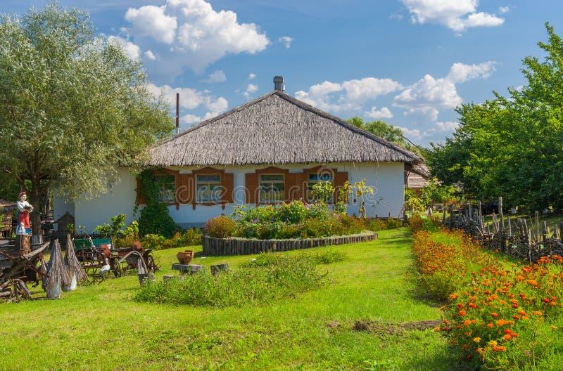 Oekraïense farm-stead dichtbij Dikan'ka-dorp stock fotografie
