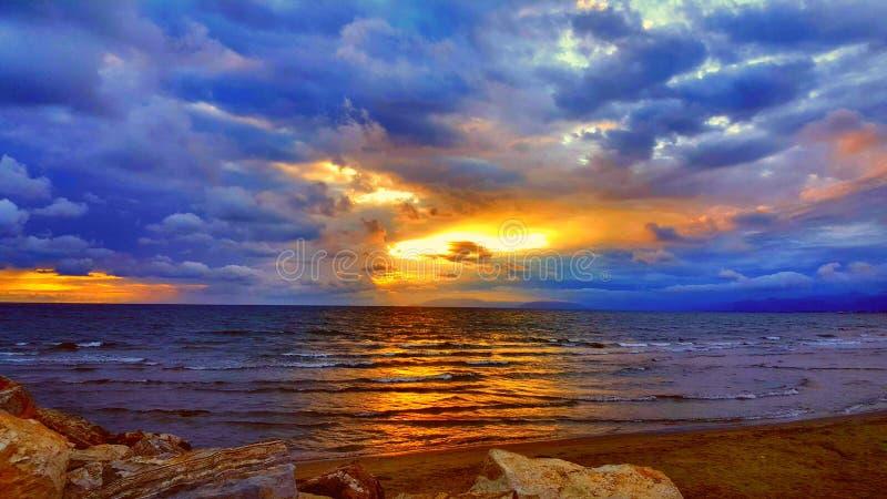 oerhörd solnedgång royaltyfri fotografi
